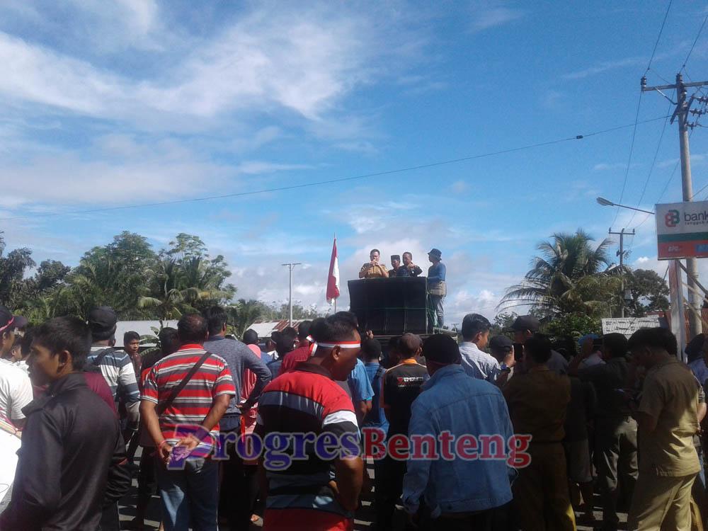 Demonstrasi warga