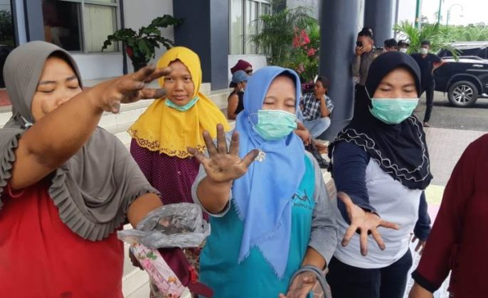 protes warga
