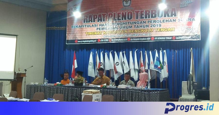Rapat pleno rekapitulasi Benteng